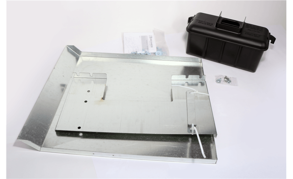 Picture of Grease trap, For use with wall-mounted models CUE and CUBE, Sizes 141-161